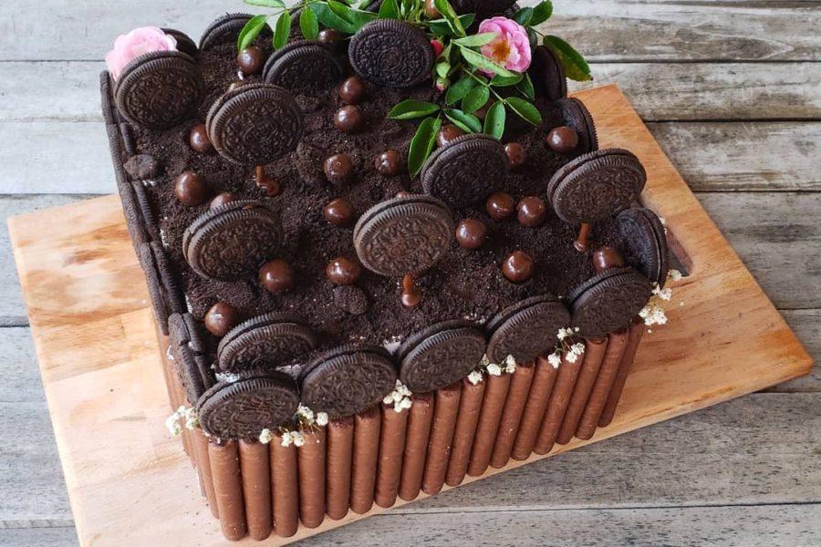 Oreo Garden Cake