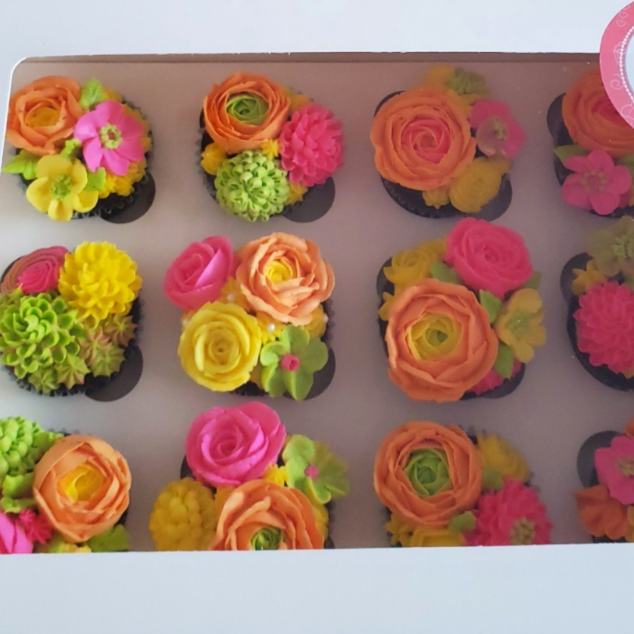 Mother's Day Flower Cupcakes Box (12 Pack)