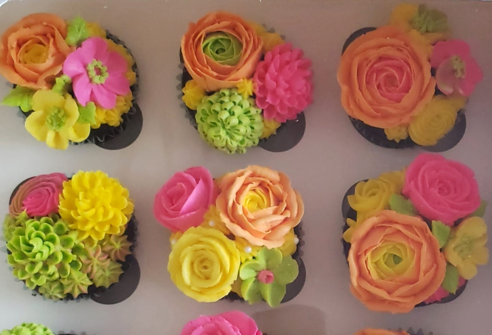 Mother's Day Flower Cupcakes (6 Pack)